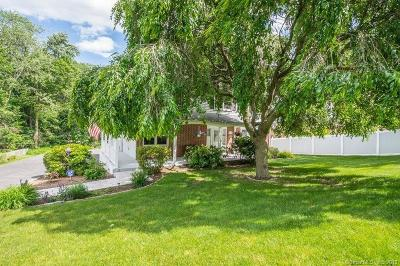 North Haven Single Family Home For Sale: 1131 Hartford Turnpike