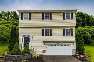 Meriden Single Family Home For Sale: 52 Kyle Court