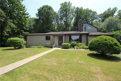 Milford Single Family Home For Sale: 40 Franklin Road