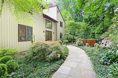 Stamford Single Family Home For Sale: 737 Rock Rimmon Road