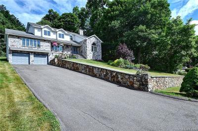 Naugatuck Single Family Home For Sale: 165 Stonefence Road