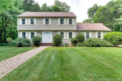 North Haven Single Family Home For Sale: 27 Beach Lane