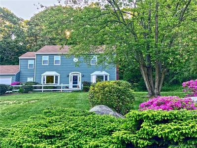 New Haven County Single Family Home For Sale: 38 Crestview Drive