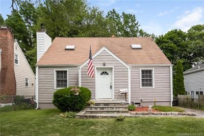 Stamford Single Family Home For Sale: 73 Ledge Lane