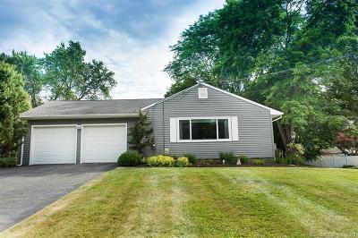 Cheshire Single Family Home For Sale: 423 Cedar Lane