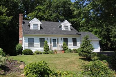 Waterbury Single Family Home For Sale: 32 Arbutus Bend