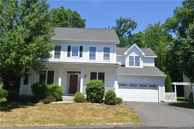 Southbury Single Family Home For Sale: 5 Revere Circle #5