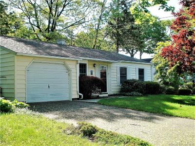 Bridgeport Single Family Home For Sale: 140 Little Deer Road