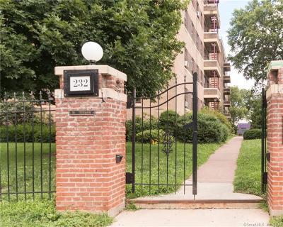 Hartford Condo/Townhouse For Sale: 232 Farmington Avenue #A8