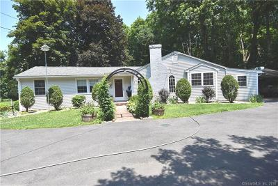 Woodbury CT Single Family Home For Sale: $315,000