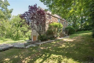 Ridgefield Single Family Home For Sale: 32 Ridgebury Road