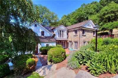 Wilton Single Family Home For Sale: 96 Old Mill Road