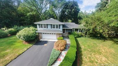 North Haven Single Family Home For Sale: 16 Hickory Hill Road