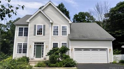 Southbury Single Family Home For Sale: 11 Independence Circle #11