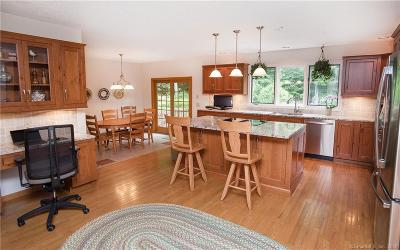 Redding Single Family Home For Sale: 2 Putnam Hill Drive