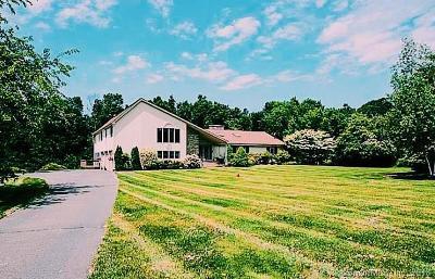 Farmington Single Family Home For Sale: 25 South Ridge Road