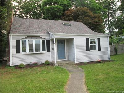Milford Single Family Home For Sale: 4 Knobb Hill Road
