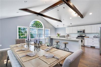 Stamford Single Family Home For Sale: 104 Gaymoor Drive