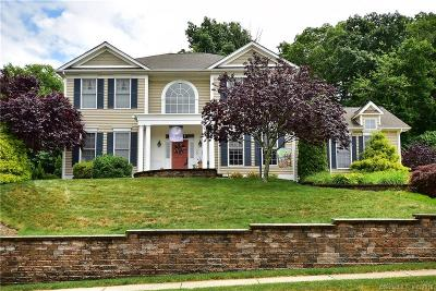 Middletown Single Family Home For Sale: 30 Chelsea Court