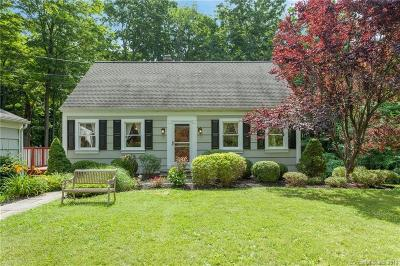 Ridgefield Single Family Home For Sale: 32 Tally Ho Road