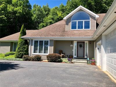 Torrington Single Family Home For Sale: 456 Westledge Drive