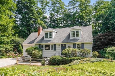 Ridgefield Single Family Home For Sale: 373 Bennetts Farm Road