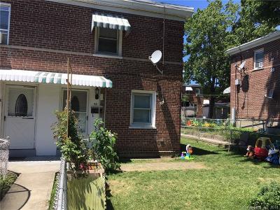 Bridgeport Condo/Townhouse For Sale: 32 Court A, Bld.27 #32