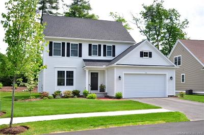 Simsbury Single Family Home For Sale: 44 Carson Way