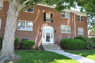West Hartford Condo/Townhouse For Sale: 26 Arnold Way #B