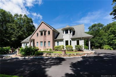 Middlebury Single Family Home For Sale: 27 East Farm Road