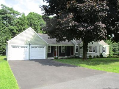 Trumbull Single Family Home For Sale: 21 Tashua Parkway