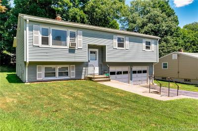 Naugatuck Single Family Home For Sale: 53 West Hill Terrace