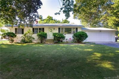 Milford Single Family Home For Sale: 31 Ashburn Lane