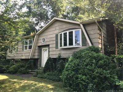 Milford CT Single Family Home For Sale: $290,000