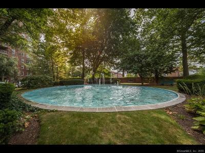 Stamford Condo/Townhouse For Sale: 71 Strawberry Hill Avenue #505
