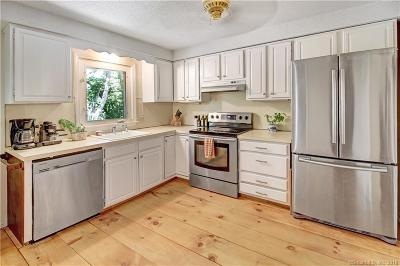 New Haven County Single Family Home For Sale: 229 Maupas Road North