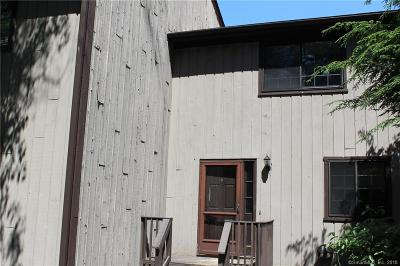 Hamden Condo/Townhouse For Sale: 5 Pond Hollow A.k.a 3379 Whitney Ave Drive #5