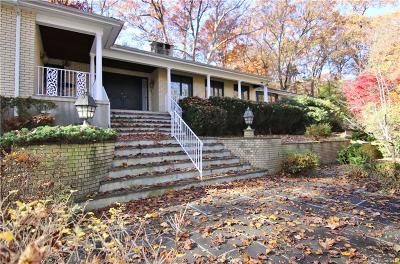Stamford Single Family Home For Sale: 193 Dogwood Lane