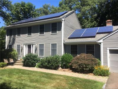 Hamden Single Family Home For Sale: 18 Farm Brook Court