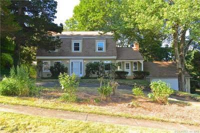 North Haven Single Family Home For Sale: 2 Hickory Hill Road