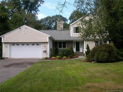 Fairfield County Single Family Home For Sale: 8 Rampart Road
