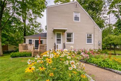 Ridgefield Single Family Home Show: 380 Bennetts Farm Road