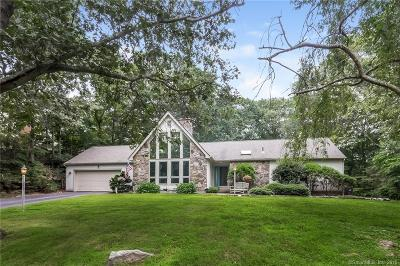 Waterford Single Family Home For Sale: 44 Trumbull Road