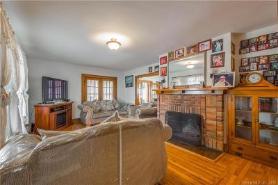 East Haven Single Family Home For Sale: 38 Forbes Place