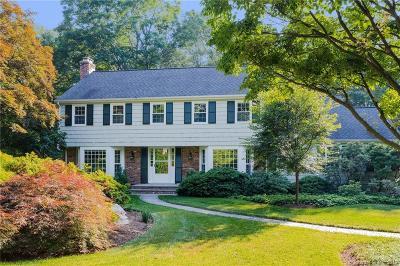 New Canaan Single Family Home For Sale: 716 Ponus Ridge