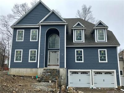Stamford Single Family Home For Sale: 25 Walnut Ridge Court