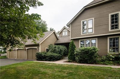 Simsbury Condo/Townhouse For Sale: 49 Brettonwood Drive #49