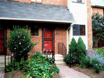 West Hartford Condo/Townhouse For Sale: 8 Kingsley Court #8