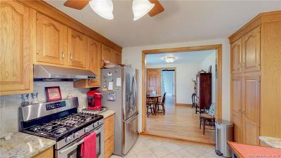 Southington Single Family Home For Sale: 288 Mulberry Street