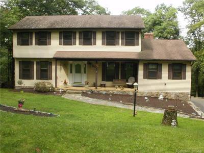 New Fairfield Single Family Home Show: 8 Windward Drive